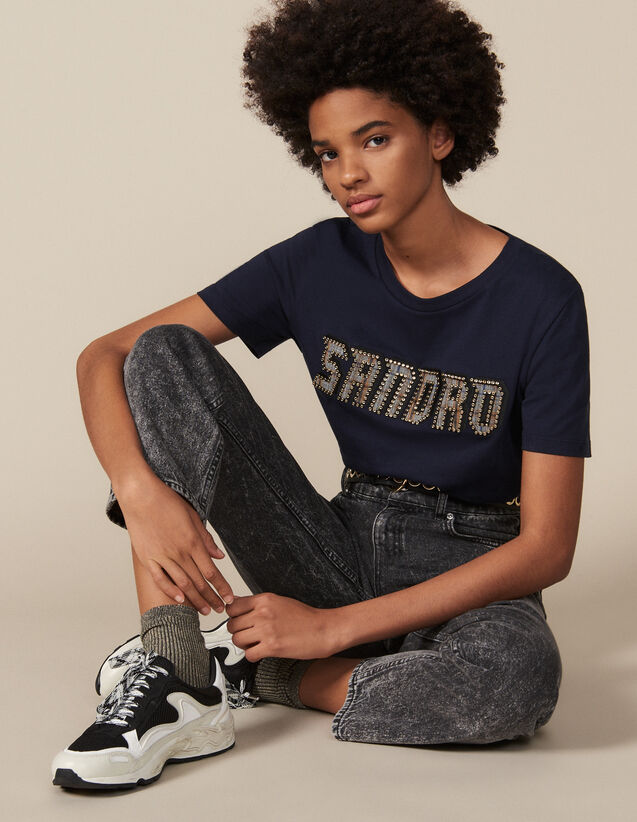 T-Shirt mit nietenverziertem Schriftzug : T-shirts farbe Marine