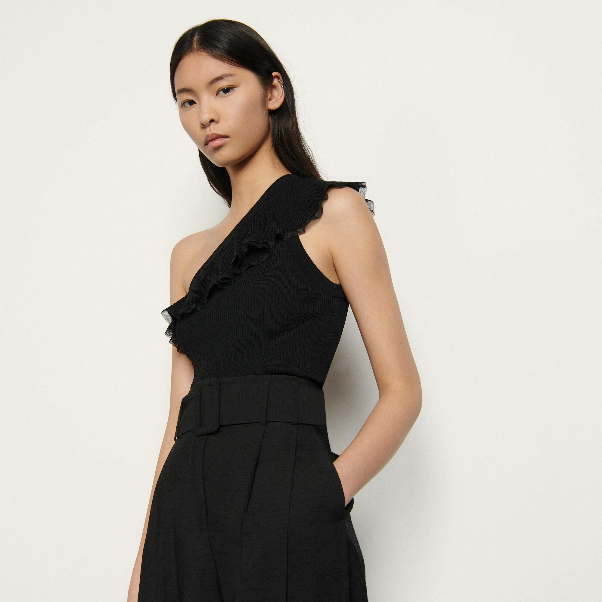 Sandro Asymmetric Knit Top In Noir